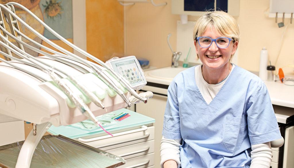 Sig.ra Lidia Maraldi assistente alla poltrona Studio Dentistico Bianchini Rimini