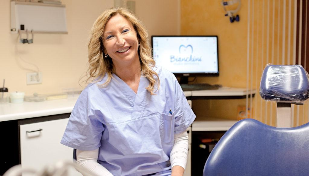 Sig.ra Annalisa Semprini assistente alla poltrona Studio Dentistico Bianchini Rimini